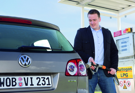 vw-golf-plus-bifuel-1